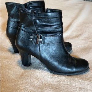 Black heel ankle boots
